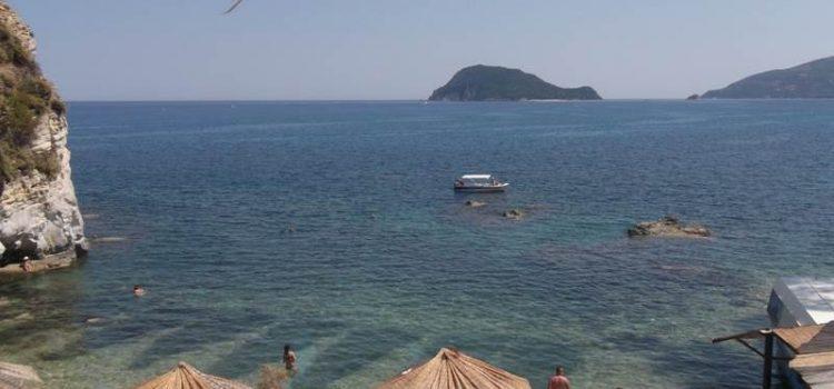 Plajele din Zakynthos sunt superbe, unele amenajate si mai aglomerate, altele salbatice si linistite