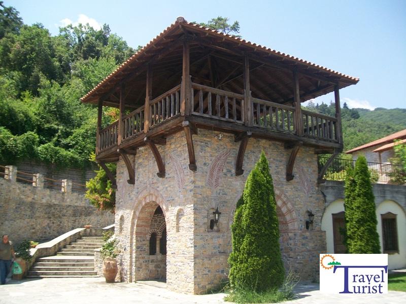 Biserica Sf Dionysos obiective turistice riviera olimpului