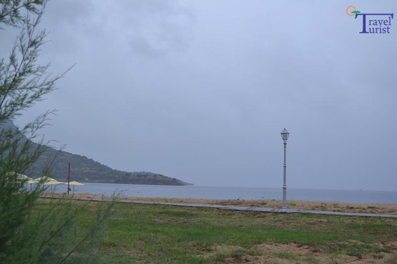 toroni beach plaje sithonia travelturist