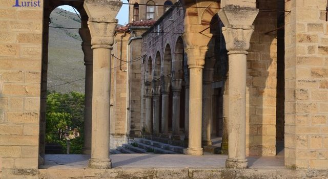 Siatista, loc de popas in drumul spre Insulele Ionice